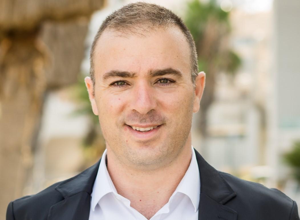 אליהו ארנד יועץ עסקי להכפלת רווחיות העסק והבעלים של אתר הוםביז